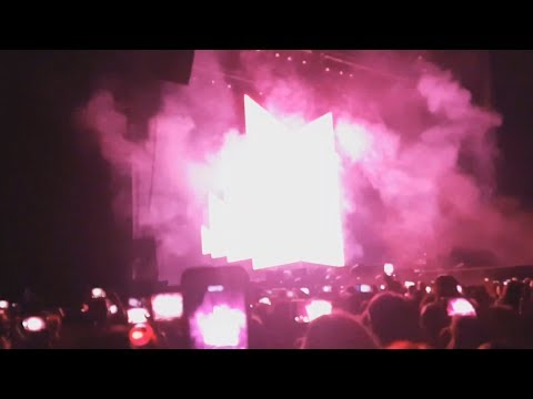 181016 BTS (방탄소년단) - Opening VCR + IDOL (Love Yourself World Tour In Berlin D1)