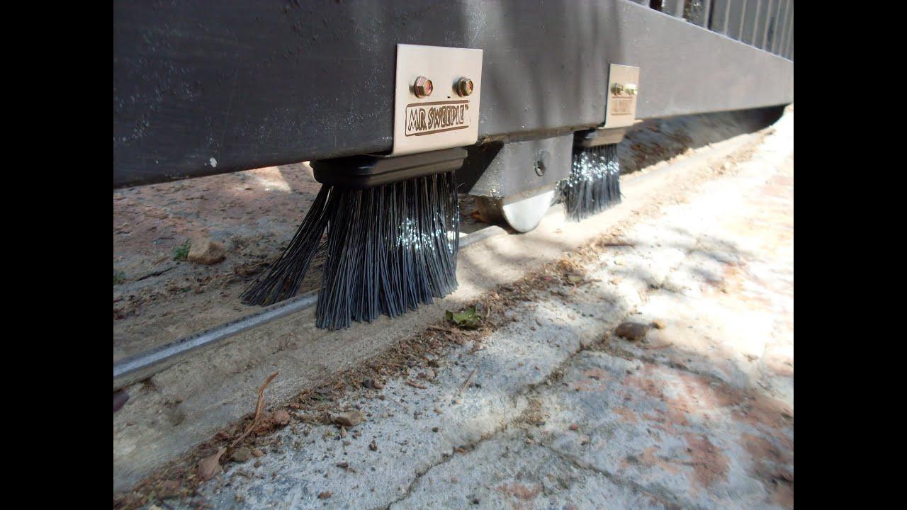 Mr Sweepie 174 Sliding Gate Track Sweeper Youtube