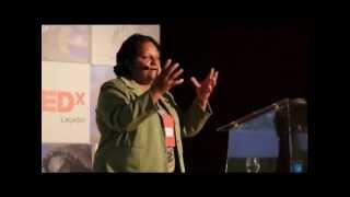 TEDxLaçador - Marli Medeiros - O lixo que muda vidas