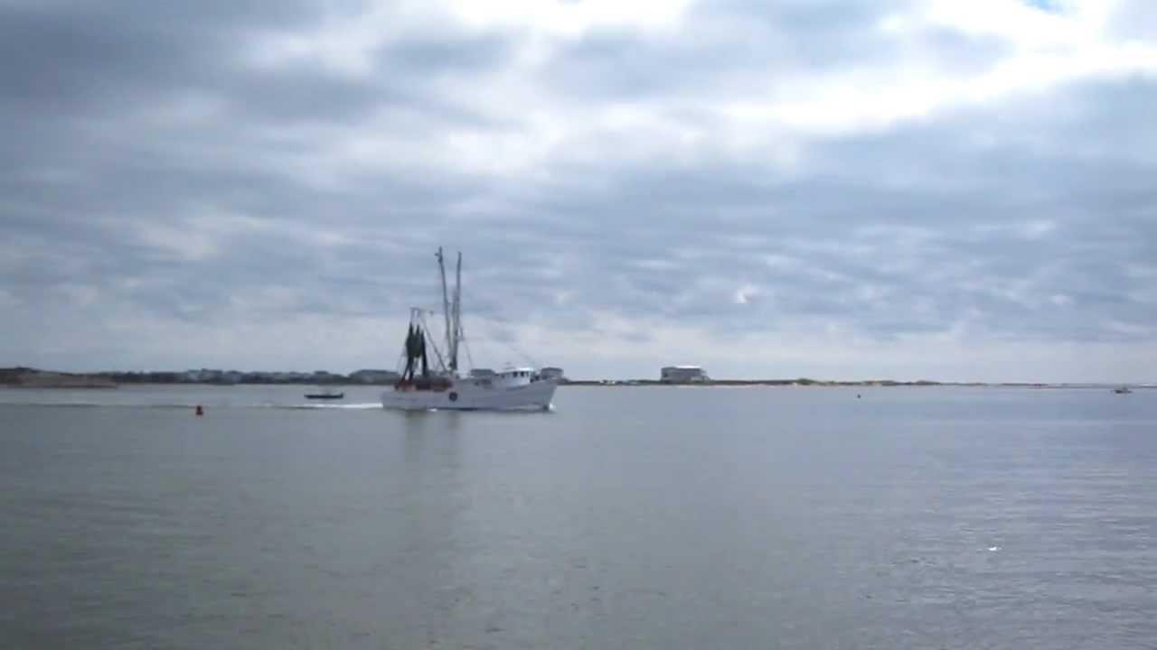 031 Nc Coast Intracoastal Waterway Shrimp Boat