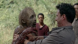 TWD S5E12 - Glenn and Tara save Aiden from a Walker