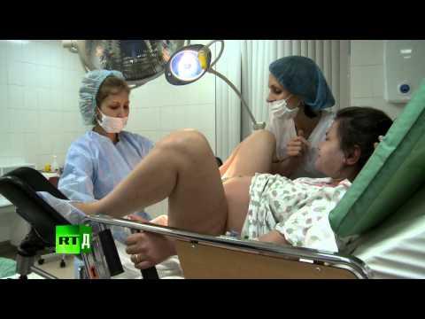Newborn Russia (E5): Her heart's set on natural childbirth, no matter what
