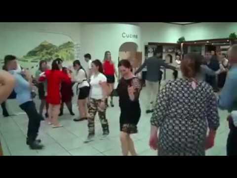 видео La Nunta Asta