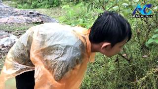 Catching red ant and cooking angkrang for food | Village food …