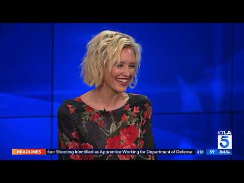 Actress Nicky Whelan Says American Men And Australian Men Are Different
