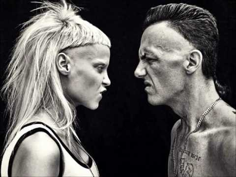Die Antwoord - She Makes Me A Killer (lyrics)