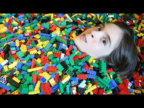 INSANE LEGO BATH! + LEGOLAND HOTEL ROOM TOUR