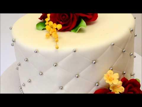 single-tier-wedding-cake---small-wedding-cake-ideas