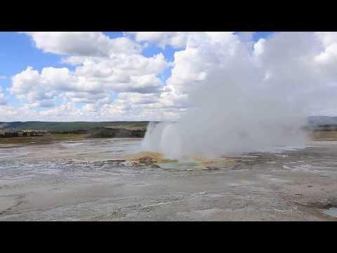Yellowstone Spasm Geyser Eruption - Day 28