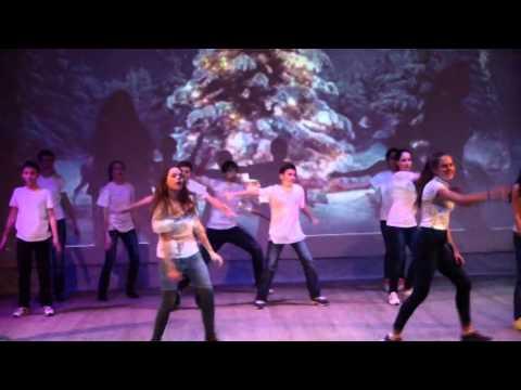 Прикольный танец на новый год