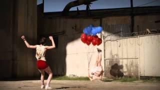 Смотреть клип Yelle - Safari Disco Club