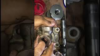 طريقة تفككيك اجزاء علبة الدركسون لسيارات تويوتا (الجزء الثاني) .