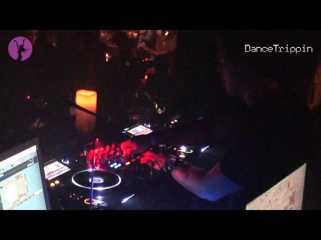 Api - Lunchbox (D Lewis & Emix Club Mix) [played by Fedde Le Grand]