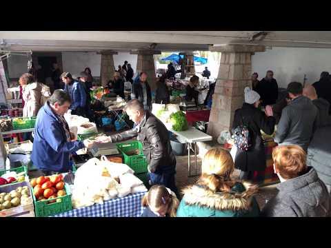Mercado dominical en Cangas de Onís
