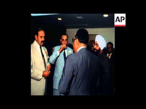 UPITN 27/02/80 ARRIVAL OMAN ENVOY SAYYID FAHER BIN TAIMUR AL SAID IN NEW DELHI
