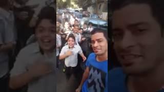 حسن شاكوش و جمهورة الصغير يوقفة في الشارع و يغني معاه  #حب_الناس   Hassan Shakosh M3 Al Fans