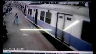 CCTV captures Mumbai local ramming into Churchgate station
