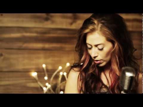 "Kerrie Roberts: ""Beautiful To Me"" (Acoustic)"