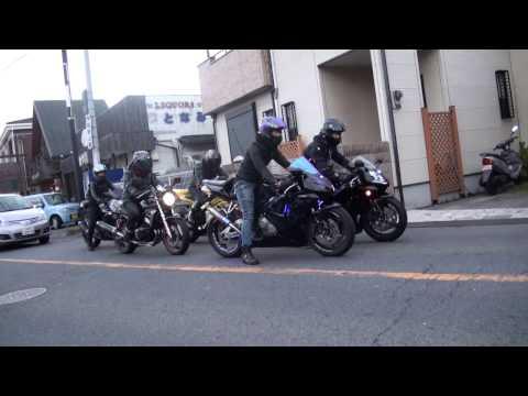 美人な女性ライダー 2014 Kawasaki Ninja 250 2005 Honda Cbr600rr 2006