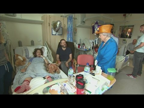 Queen visits Manchester bombing injured