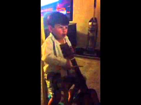 Glee smooth criminal - baby cellist