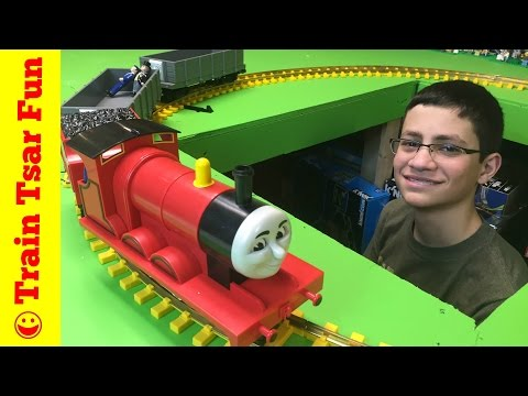 James the BIG Red Engine – Lionel Large G Scale Train Set with Troublesome Trucks
