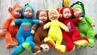 Simple Songs | Are You Sleeping with Baby Dolls | Learn Colors with Dolls