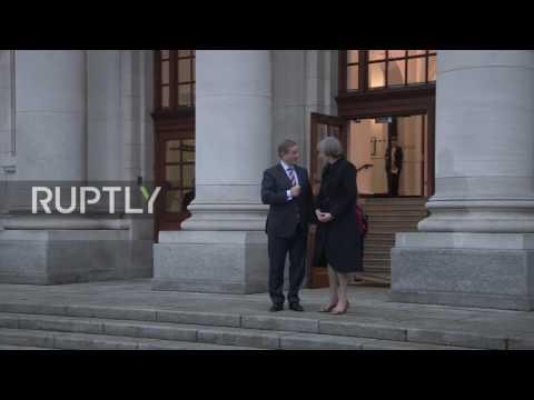 Ireland: Theresa May meets Irish counterpart for Brexit talks