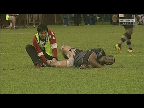Michael Leitch broken leg injury vs Fiji 2013
