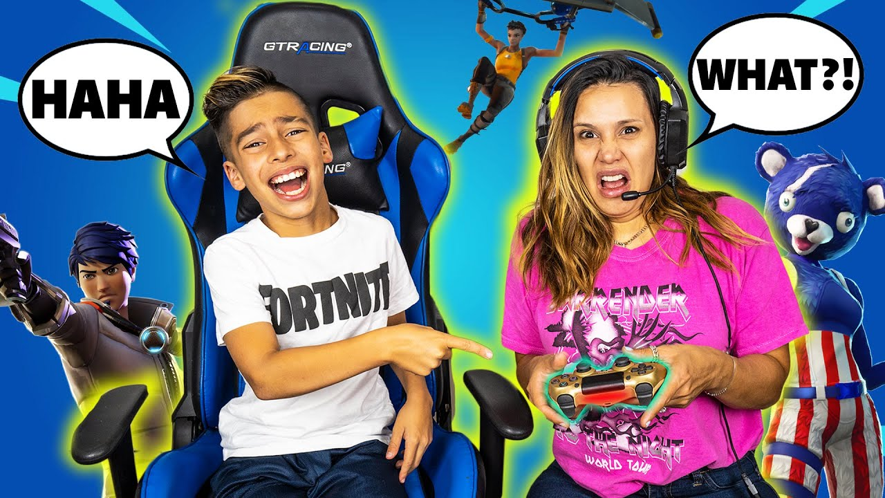 TEACHING My MOM How to Play FORTNITE! (BAD IDEA)   Royalty Gaming