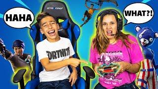 TEACHING My MOM H๐w to Play FORTNITE! (BAD IDEA) | Royalty Gaming