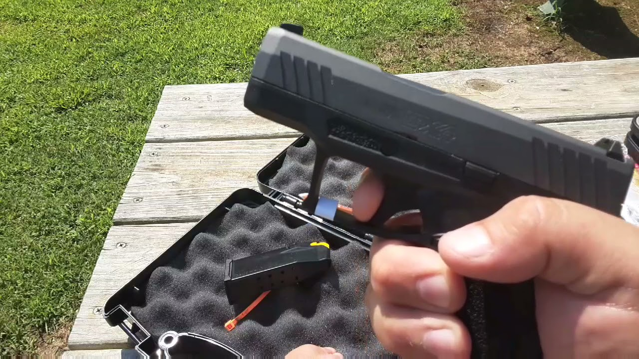 Taurus GX4 Subcompact 9MM Table Top Review.