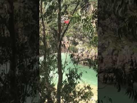 Rescatados dos jóvenes arrastrados por la corriente en Pechón