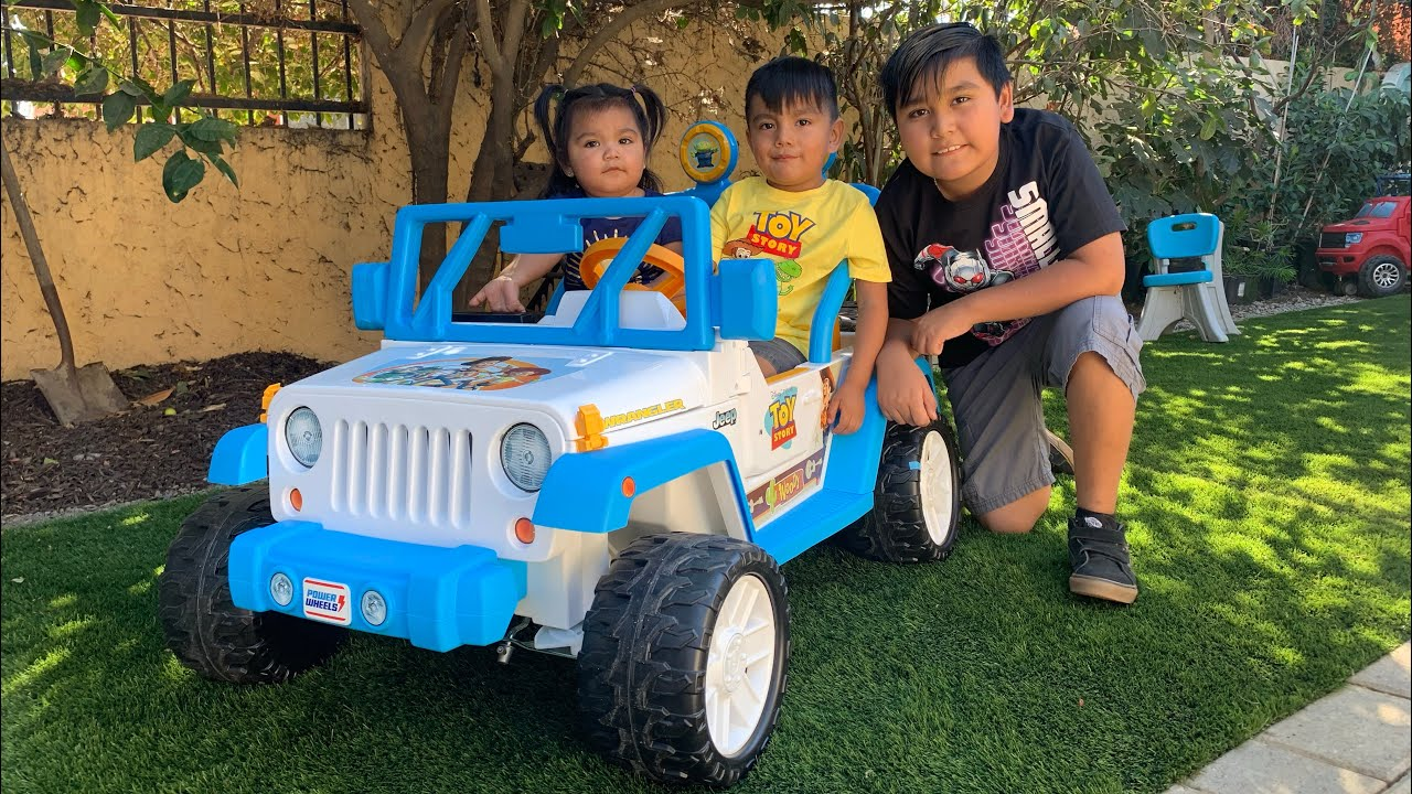 Unboxing Toy Story Jeep Ridding It Youtube