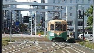 [警笛(ミュージックホーン)あり]地鉄7000形富山の路面電車 富山駅到着