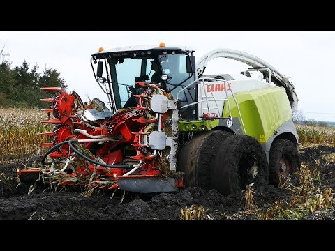 Claas 950 Jaguar Gets Totally Stuck in The Mud During Corn / Maize Chopping | Häckseln 2017