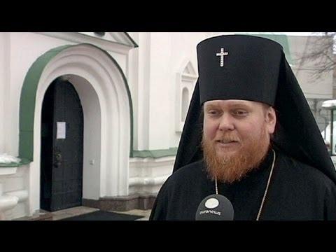 Ukrainian Catholics welcome pope who speaks their language