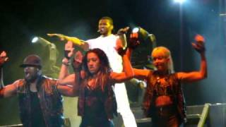 Download USHER Live in Manila - Caught Up MP3 song and Music Video