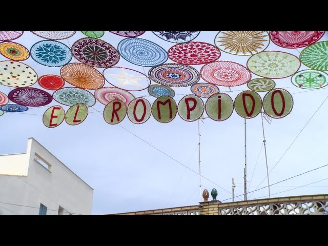 Cartaya Tv | La Plaza de los Marineros de El Rompido se llena de colorido
