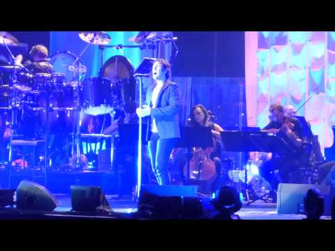 Josh Groban - Falling Slowly LIVE @ London's O2 Arena - Friday, 14th June 2013