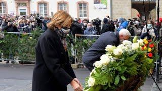 Nach Amokfahrt: Ministerpräsidentin Dreyer legt Blumenkranz in Trier nieder