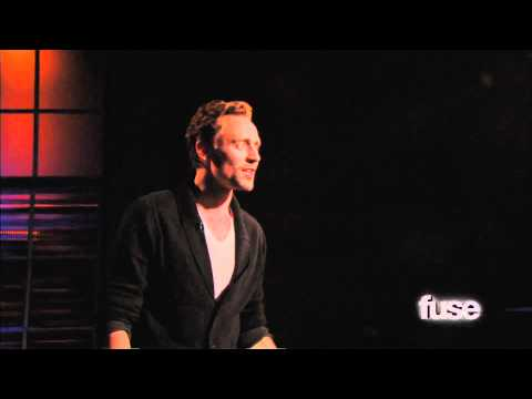 Tom Hiddleston Performs 'Henry V' Monologue - Hoppus on Music - Fuse