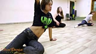Урок стрип пластики. Oliva Dance новички.