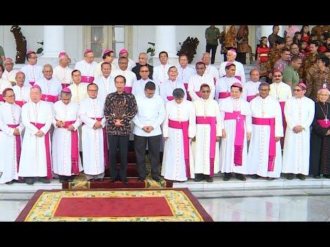 Jokowi Bertemu Uskup & Pemenang Pesparani Katolik 2018 di Istana