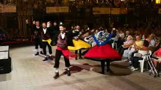 Coros y Danzas de Torrejoncillo con Furriones