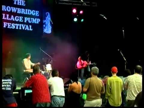 VRC0511  30th Trowbridge Village Pump Festival 2003