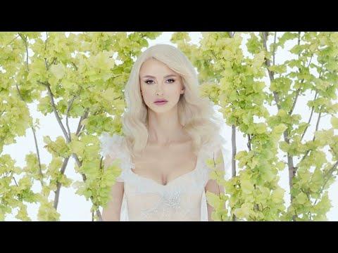 Смотреть клип Andreea Balan - Am Crezut In Basme