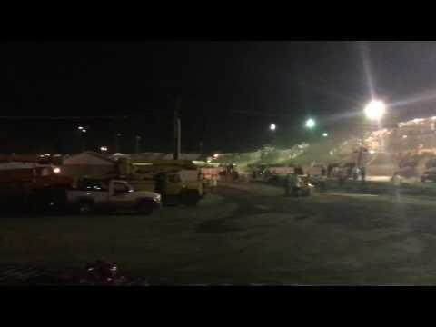 305 Racesaver Sprint Car Hesston Speedway Feature 8-13-16