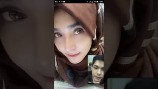 Video Bigo Live  - Cewek Hijab Main Bigo Sambil Vidiocall download MP3, 3GP, MP4, WEBM, AVI, FLV November 2018
