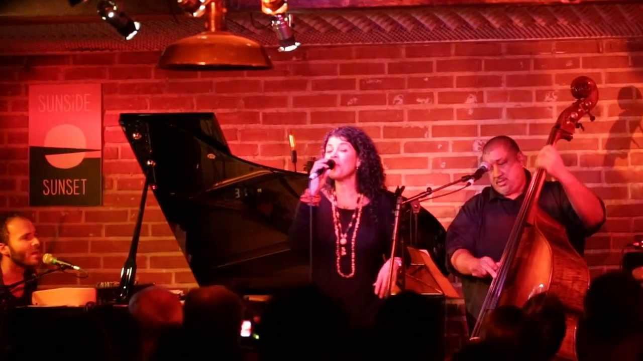 """CATIA WERNECK - """"Tudo Bem"""" - live au Sunside"""